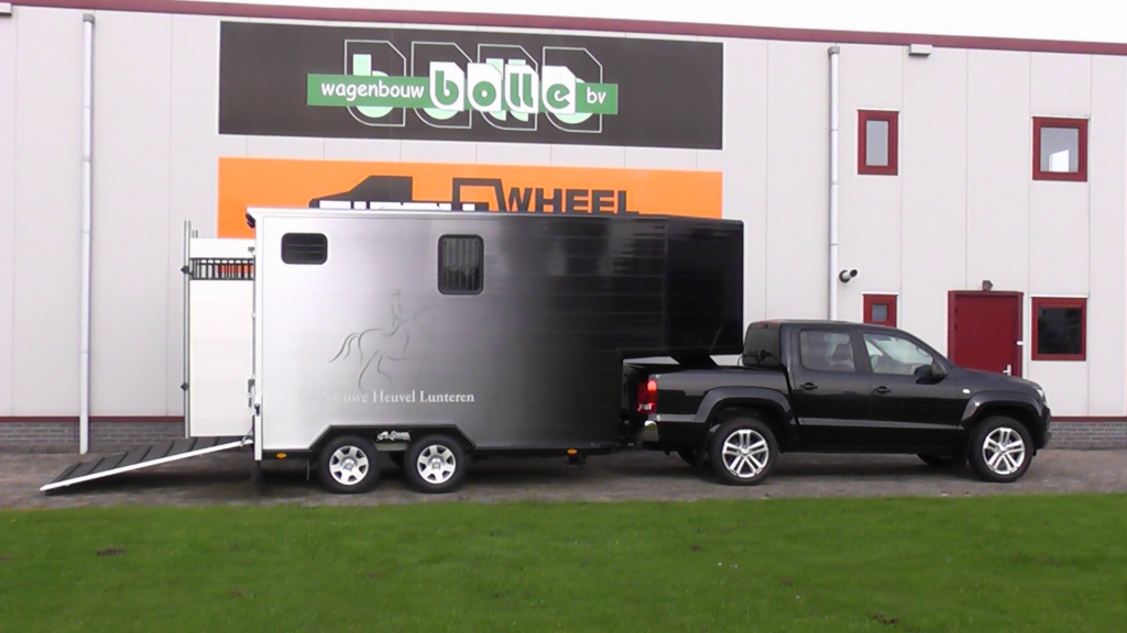 Fifth wheel europe fifthwheel remorque 2 chevaux for L interieur trailer